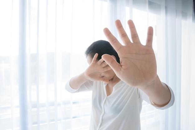 Международный женский день сепия фото, концепция «прекратить сексуальное насилие», «прекратить насилие в отношении женщин»