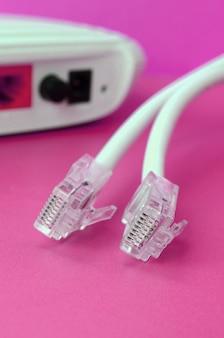 インターネットルーターとインターネットケーブル