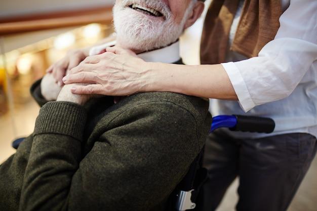 Invalid and caregiver