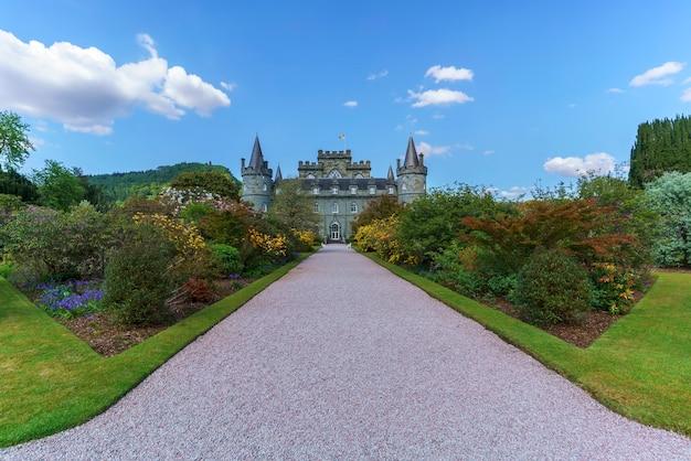 Инверарей, шотландия - 16 мая 2019 г .: замок инверарей - загородный дом недалеко от инверари в графстве аргайл, шотландия.