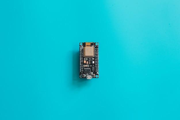 Iot микроконтроллер nano electronic board. черная доска. nodemcu