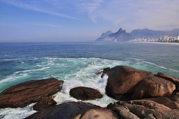 ブラジル、リオデジャネイロのイパネマビーチ