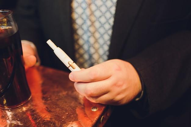 Iqosの非燃焼たばこ製品テクノロジー。