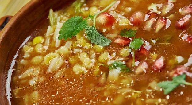 イラン料理-ash-eanarペルシャザクロスープ