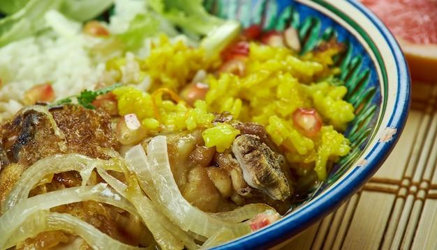 イラン料理-zereshkpolo morgh、ペルシャの古典的な鶏肉とペルシャ米。