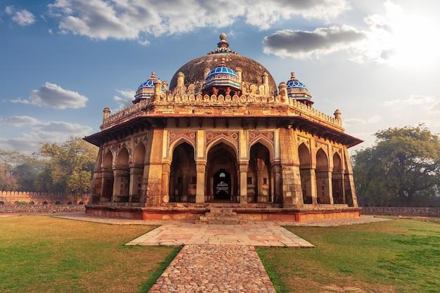 Isa khan mausoleum in the humayun's tomb complex in delhi, india.