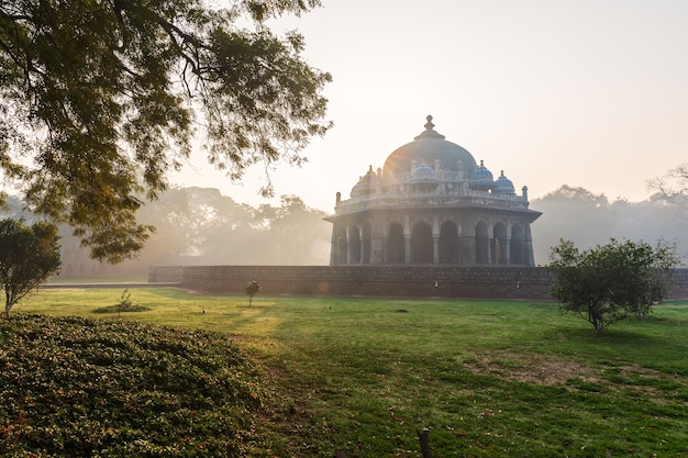 Isa khan's tomb, mysterious morning in india, delhi.