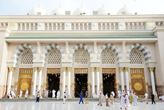 Исламская святая мечеть в мадине