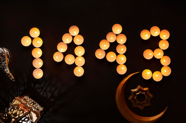 月のシンボルとイスラムの新年の装飾