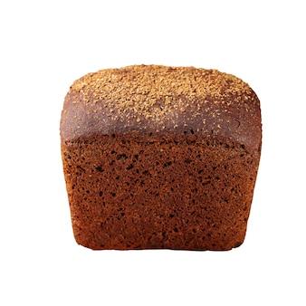 Изолированные черный ржаной бородинский хлеб на белом