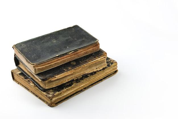 고립 된 오래 된 골동품 책 오래 된 책 컬렉션