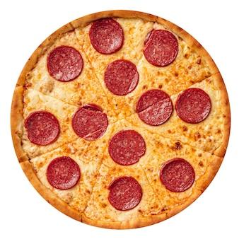 살라미 소시지와 격리 된 페퍼로니 피자