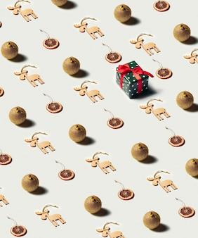 Изометрические рождественские украшения