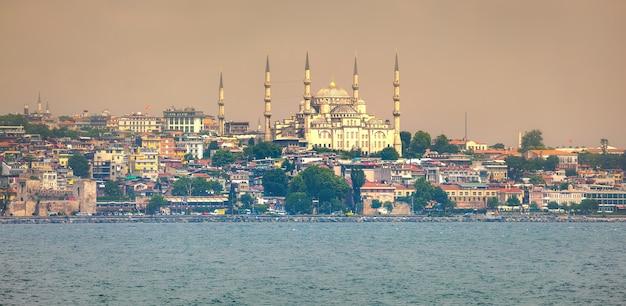 Панорама заката стамбула - турция путешествия фон
