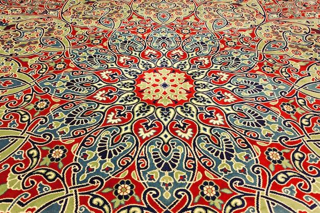 이스탄불, 터키 - 2014년 9월 6일: 새로운 모스크(yeni cami) 인테리어는 원래 터키 이스탄불에서 2014년 9월 6일에 valide sultan mosque로 명명되었습니다.