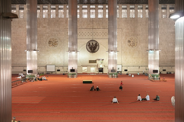 Istiqlal mosque is the largest mosque in southeast asia.