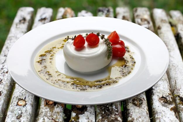 이탈리안 부라타 모짜렐라 치즈