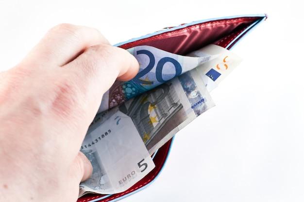 개념에 유용한 돈이 든 이탈리아 가죽 지갑