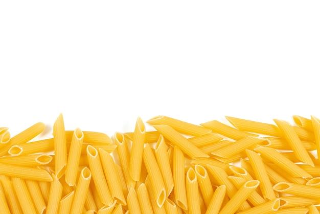 Итальянская паста, изолированные на белом фоне