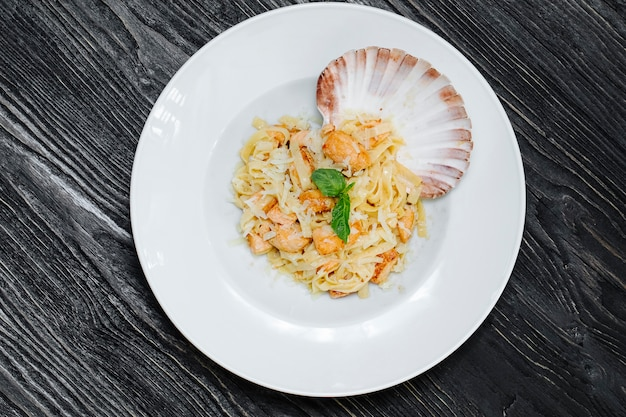 Italian risotto with beans and shell.