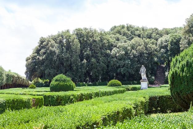 イタリア、トスカーナ地方、サンクイリコ。オルティレオニーニの有名なイタリアンガーデン