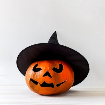 Jack-o-lantern in witch hat