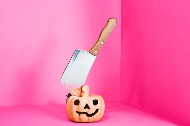 Jack-o-lantern with cleaver