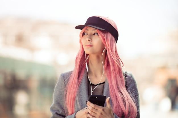 日本のアニメコスプレ。ファッションアジアの女の子。