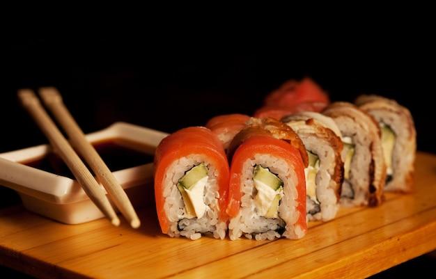 Японская традиционная еда - ролл