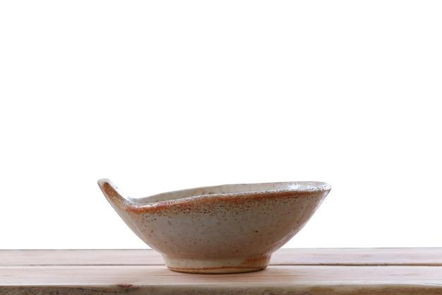 Японская чаша на деревянной доске