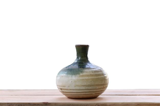 Японский графин на деревянной доске