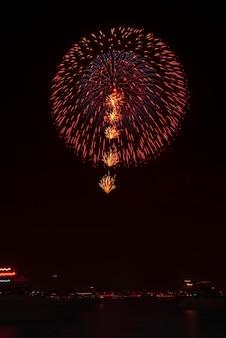 日本の花火の背景