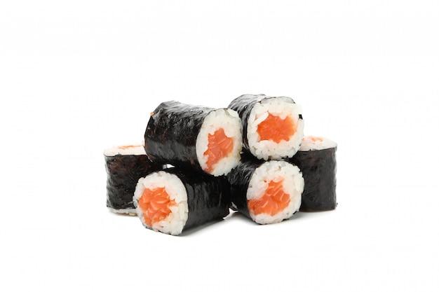Японская еда. вкусные суши роллы изолированные