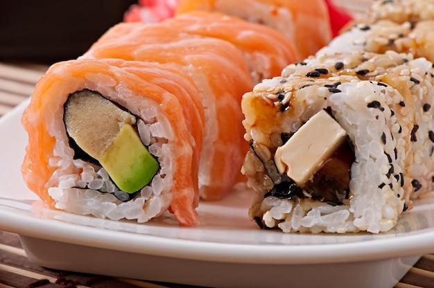 日本食-寿司と刺身