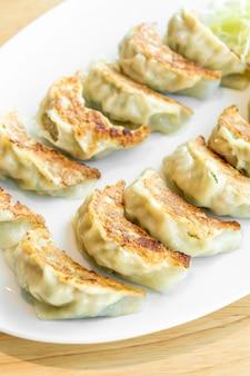 日本の餃子や醤油餃子
