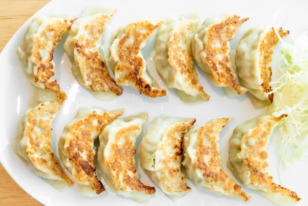 日本の餃子または餃子と醤油