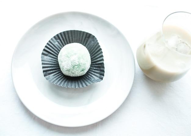 米粉入りの日本のアイスクリームもち。