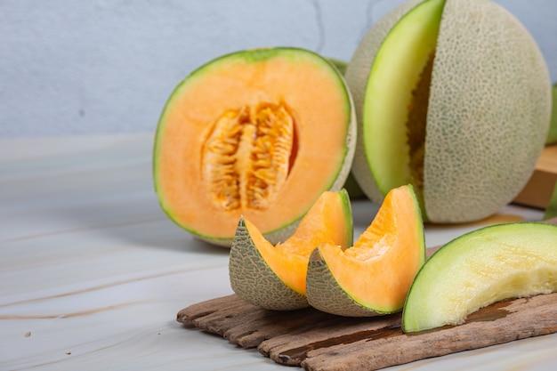 Japanese melon or cantaloupe, cantaloupe, seasonal fruit, health concept. Free Photo