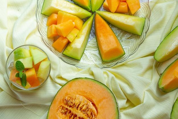 Японская дыня или канталупа, канталупа, сезонные фрукты, концепция здоровья.