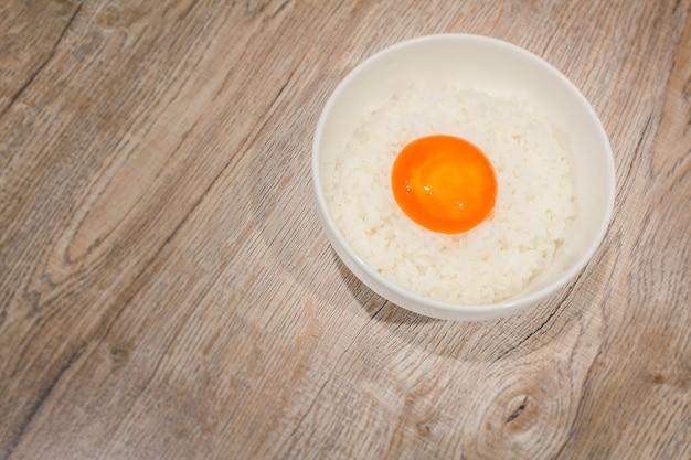 Японские маринованные яйца с соевым соусом или рыбным соусом