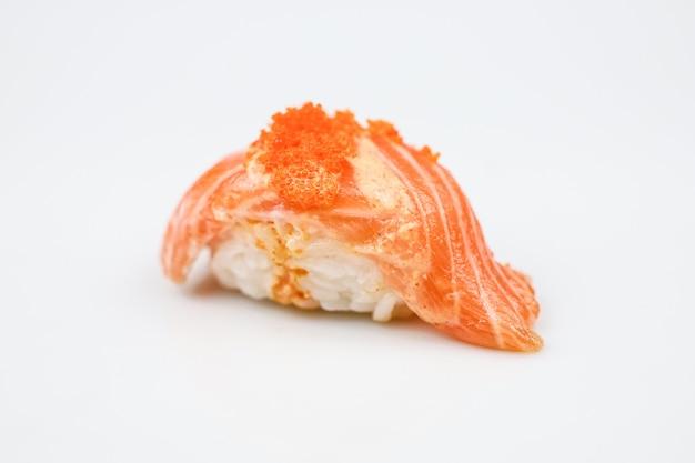 日本のサバ寿司または生のサバ寿司
