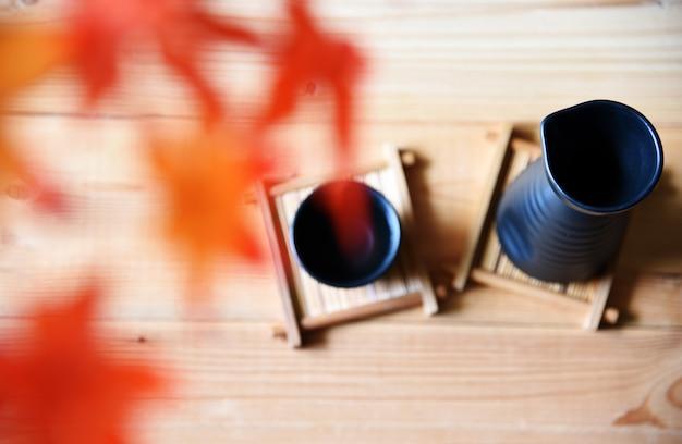 Японский сакэ стиль восточного напитка на столе
