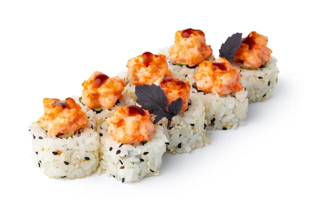 흰색으로 분리된 참깨와 크림 장식이 있는 일본 스시