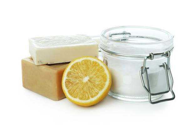 白い孤立した背景に分離された酸、レモン、石鹸の瓶