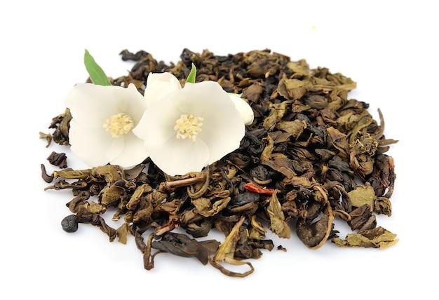 Жасминовый чай со свежими цветами жасмина