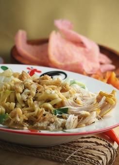 Яванская лапша традиционные индонезийские блюда