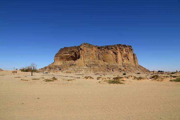 ジェベルバルカルはスーダンの神聖な山です