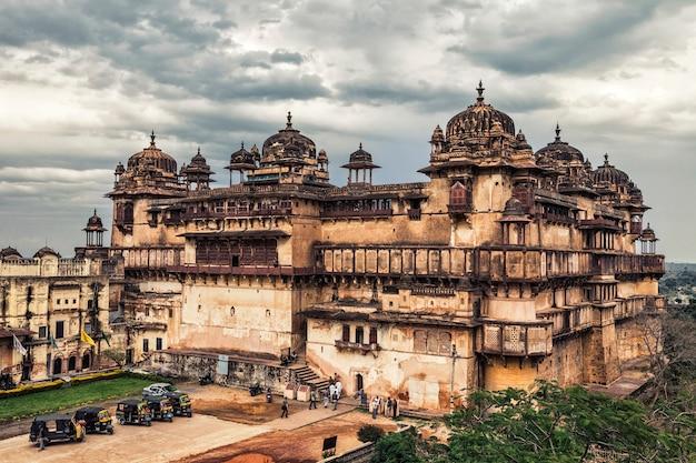 Jehangir mahal citadel in orchha