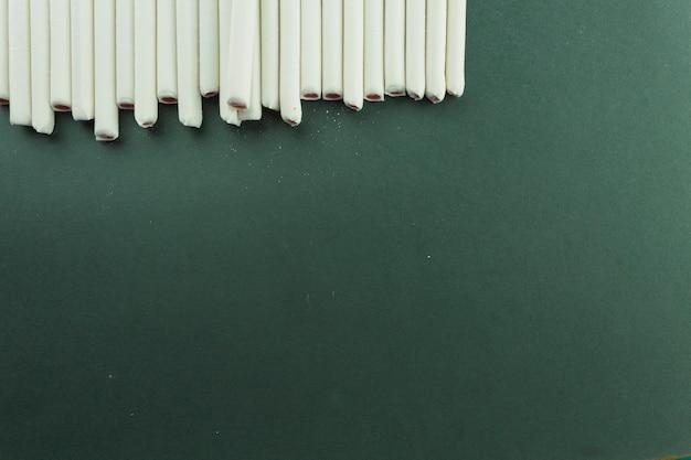 ゼリーは緑色のスティック