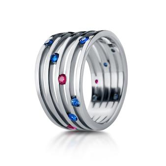 흰색 배경에 고립 된 보석 반지